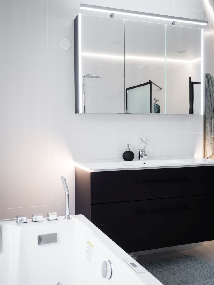Dagmarinkatu kylpyhuone